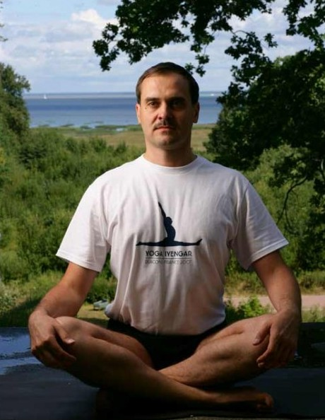mixajlov-sergej-prepodavatel-jogi-